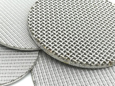 6 layer and 5 layer sintered wire mesh round piece on stack