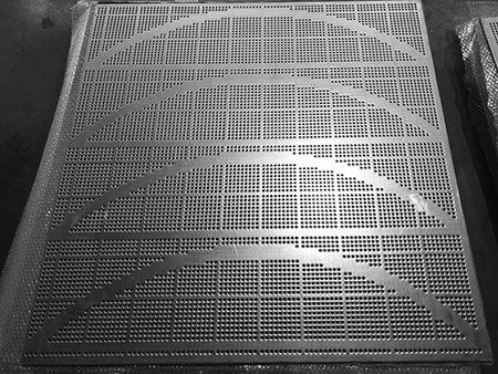 One piece os Hastelloy nickel based alloy sintered wire mesh with dead zone peforated metal