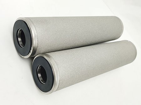 Two pieces of sintered porous metal powder filter cartridges, with black color sealing gasket