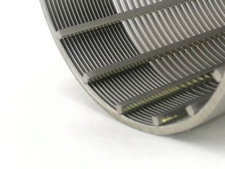 Detail view of the profile and support wire of the wedge wire filter element