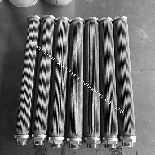 Pleated wire mesh filter candle